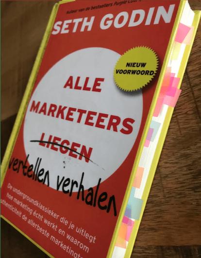 Alle Marketeers l̶i̶e̶g̶e̶n̶ vertellen een verhaal - Seth Godin